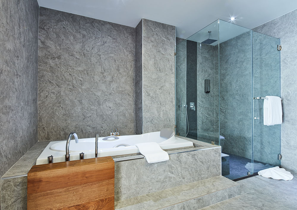 Serenity Hotel Onsen Spa - Executive Pool View - Bathroom